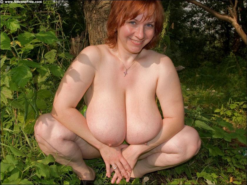 голые волосатые женщины зрелые на даче фото